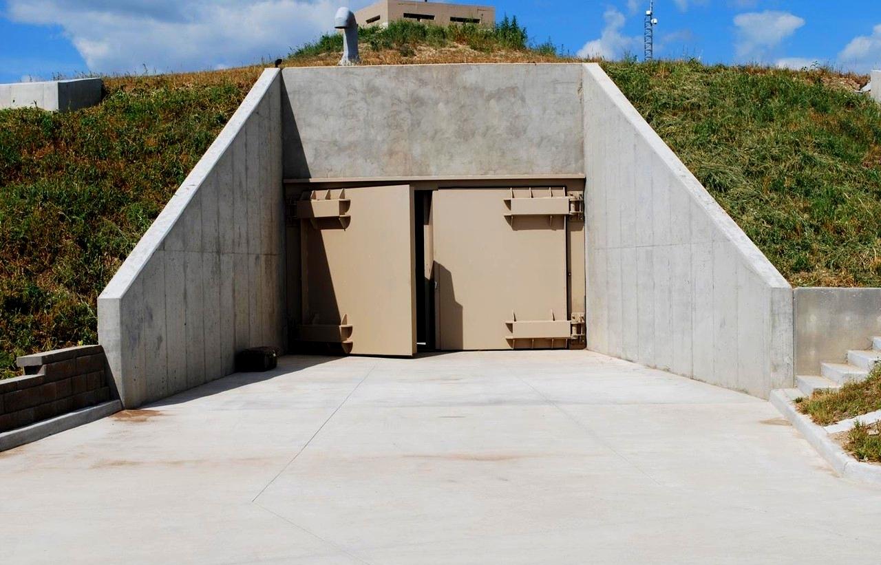 Как сделать бункер на случай войны