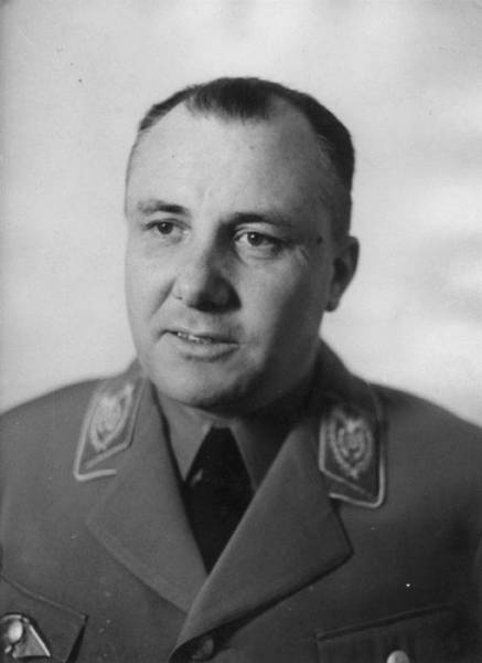the escape of martin bormann About a month before his escape to argentina and martin bormann from berlin was called operation james bond by the mind of adolf hitler.