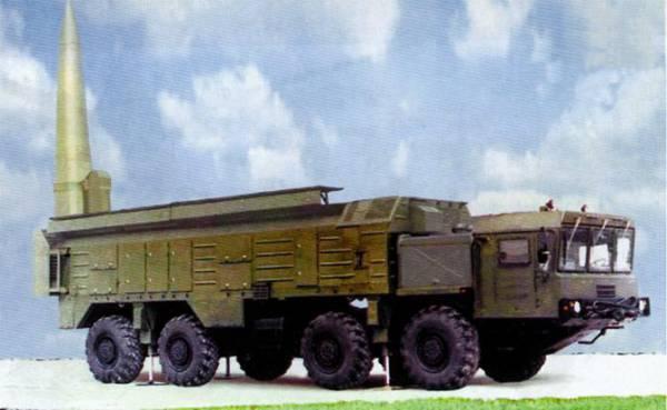 На фото: высокоточный ракетный комплекс для сухопутных войск «Искандер-Э»