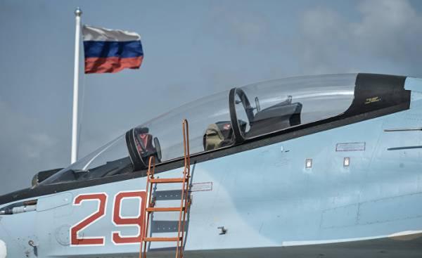 Истребитель ВКС РФ СУ-30 СМ на авиабазе